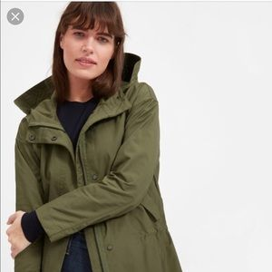 Everlane Cropped City Anorak (Army Green)